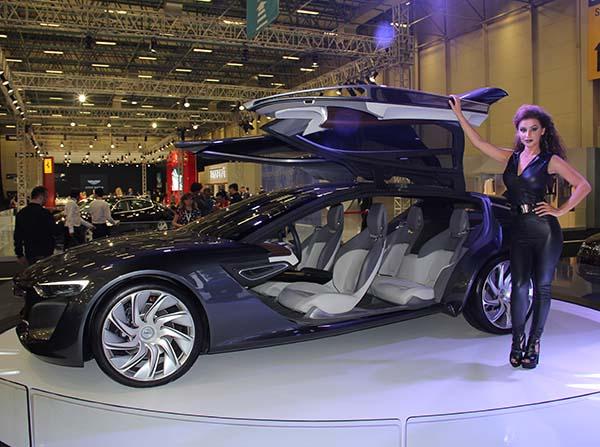 Opel İstanbul Autoshow 2015'te dört yeni model sergiledi ...