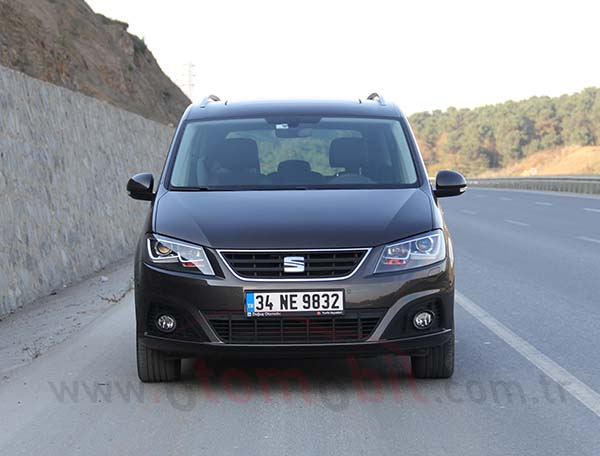 yeni seat alhambra 1 4 tsi dsg 2016 test videosu otomobil. Black Bedroom Furniture Sets. Home Design Ideas