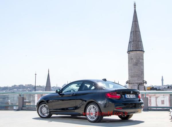 BMW_218i_arka_600_istanbul