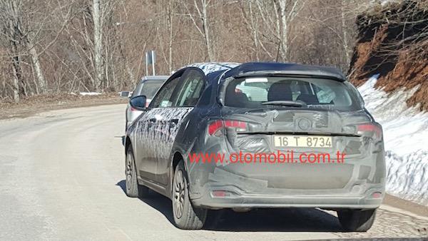Fiat Egea Hatchback 2016 Test 04