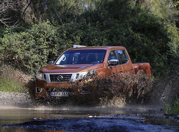Yeni Nissan Navara 2016 test