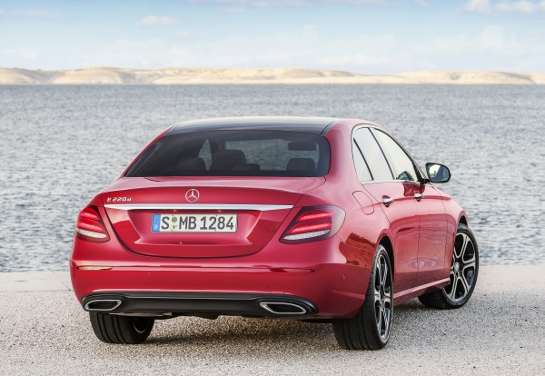 Yeni_Mercedes-Benz_E220d_2016