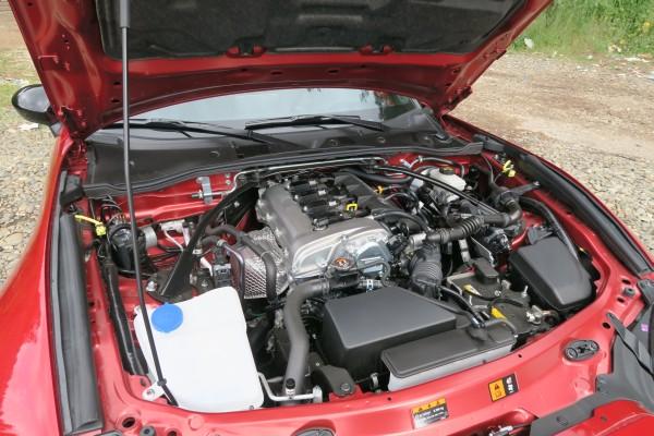 2016_Mazda_MX-5_motor