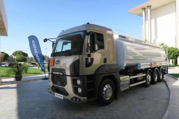 Yeni_Ford_Cargo_tanker