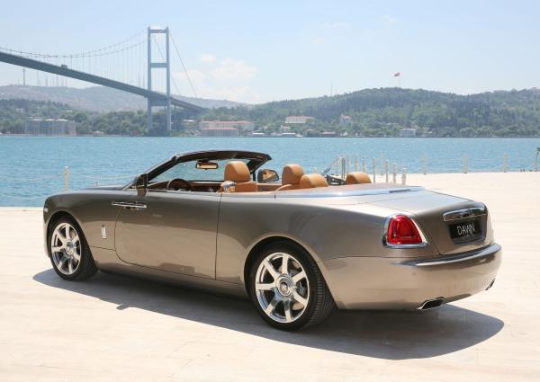 Rolls-Royce_Dawn_istanbul