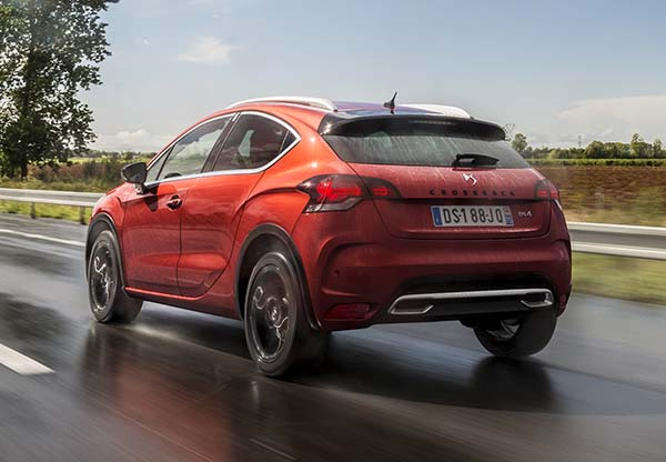 Yeni DS 4 ve DS 4 Crossback