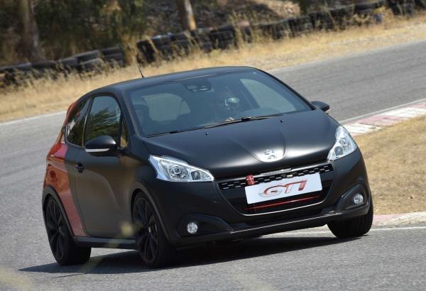yeni_Peugeot_208_GTi_by_Peugeot Sport
