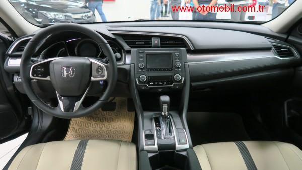 yeni_honda_civic_sedan_on_konsol