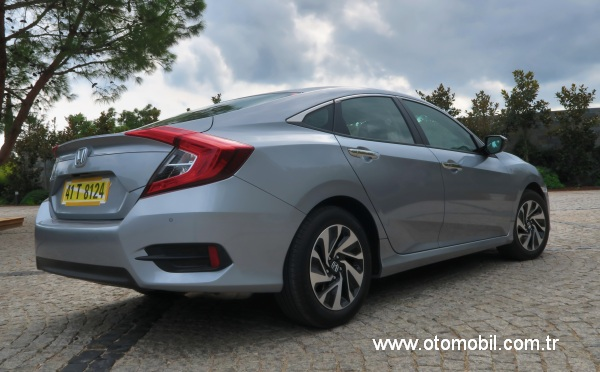 yeni_honda_civic_sedan_test_surusu-2