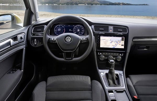 Yeni_VW_Golf_ic_mekan