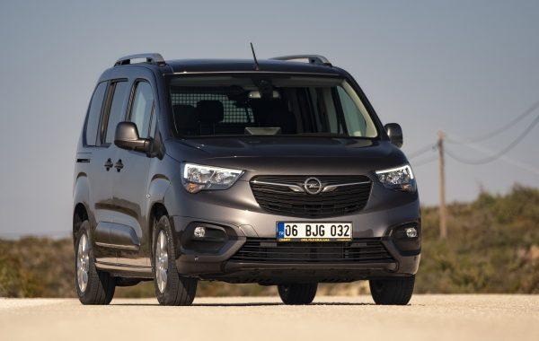 Yeni Opel Combo 1.5 Dizel Otomatik sürüş izlenimi