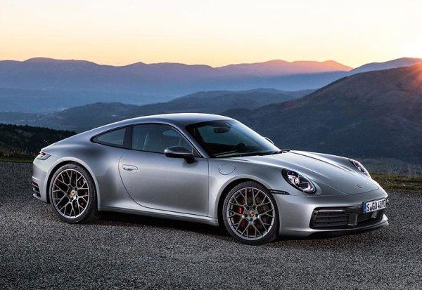 Yeni Porsche 911 Carrera 4S 7 ileri manuel şanzıman