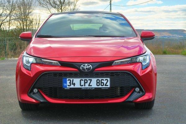 Yeni Toyota Corolla Hatchback